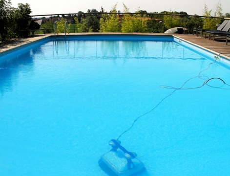 Latest Robotic Pool Cleaner Features and Tech Worth Checking Out Picture