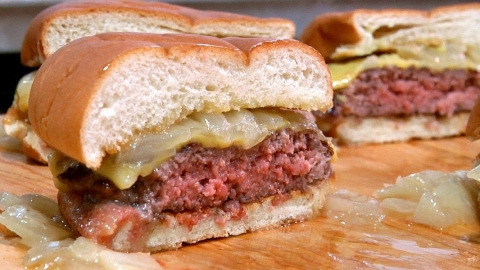 3 Best Juicy Homemade Beef Burger Recipes Picture